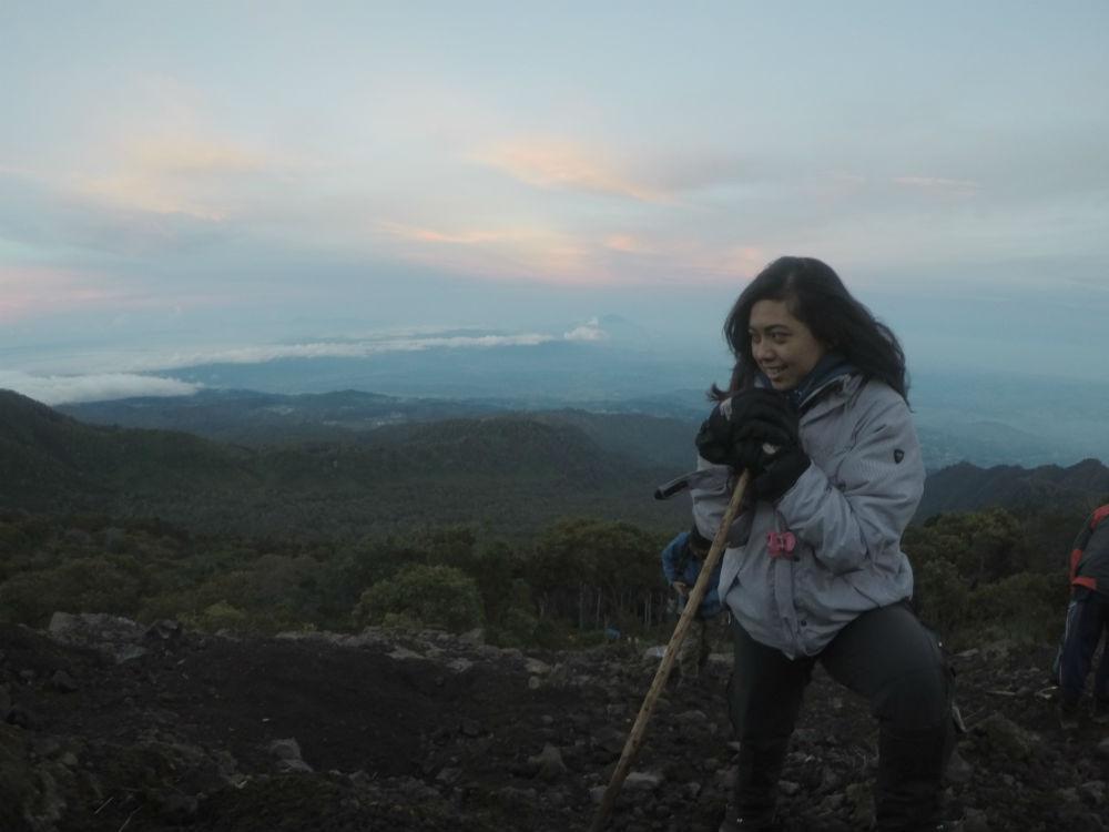 menikmati gunung slamet jalur guci athome